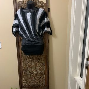 GUESS - 🌸3 For $25🌸 Vintage Tunic (S)
